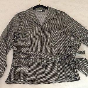 Joneswear Studio Black & white side tie top NWT